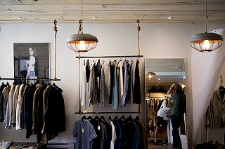 clothing-store-984396_640